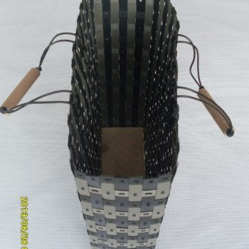 Baskets made from waste polypropylene strapping tapes