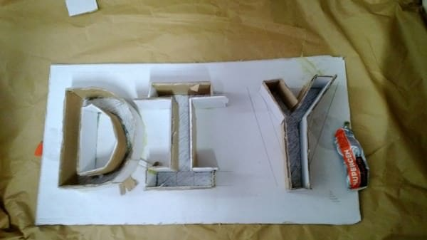 Cómo hacer letras con cartón y escayola Do-It-Yourself Ideas Recycled Cardboard