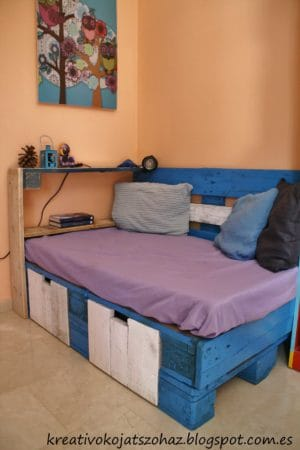 Pallet sofa for kids
