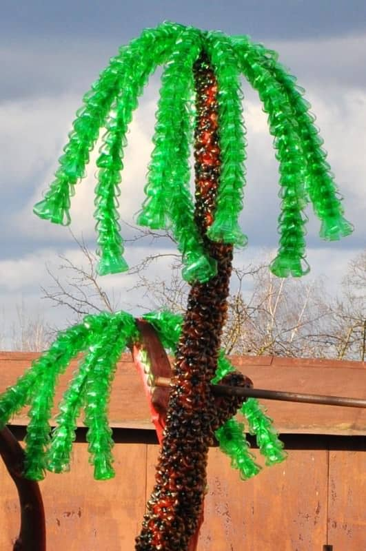 Palm tree made ​​from recycled plastic bottles Lithuania in plastics  with Wood Tree Plastic Bottle
