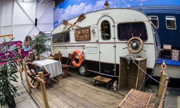 basecamp-an-indoor-vintage-campground-hostel-designboom-41