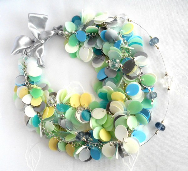 Recycled jewelry made of plastic bottles • Recyclart