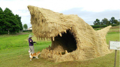 Giant beasts at the rice straw art festival