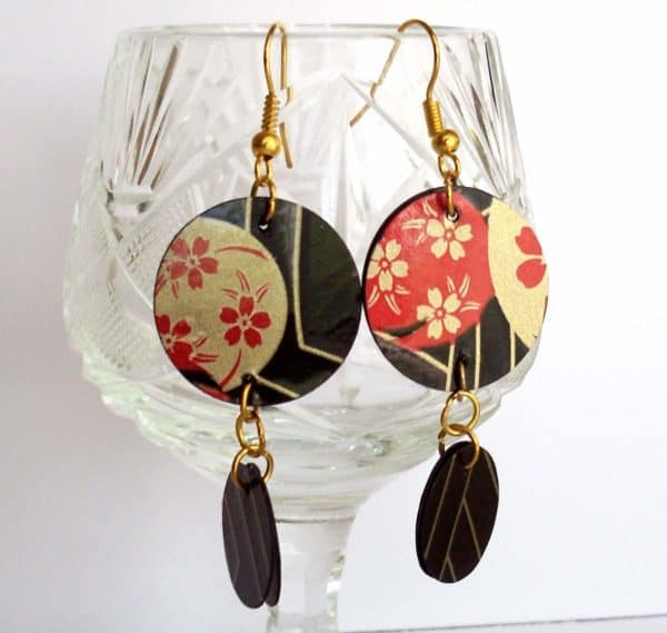 Recycled Jewelry Made Of Plastic Bottles Upcycled Jewelry Ideas