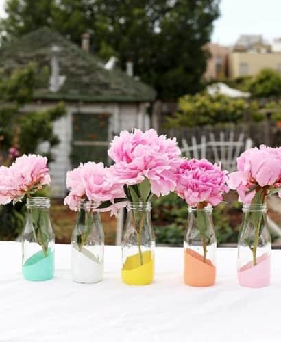 DIY : painted bottles as vases