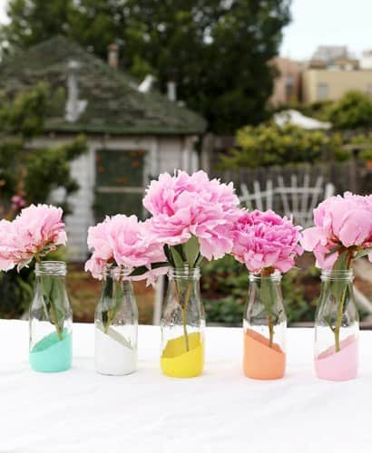 DIY : painted bottles as vases