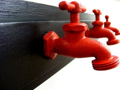 Water sprout coat rack