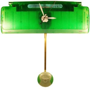 Lime-Apple-iMac-Pendulum-Clock-from-Recycled-Keyboard-0
