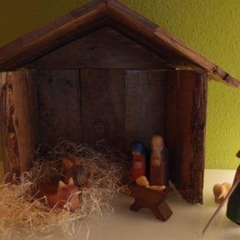 Christmas crib made of pallet wood