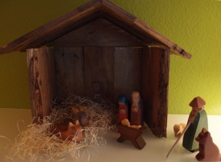 Christmas crib made of pallet wood