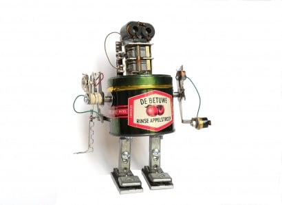 Metal boxes recycled in robots