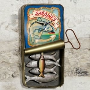 Vintage-Sardine-Can-Wall-Clock-0
