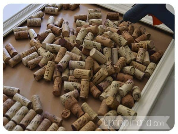 Diy: Framework With Corks Do-It-Yourself Ideas Recycled Cork