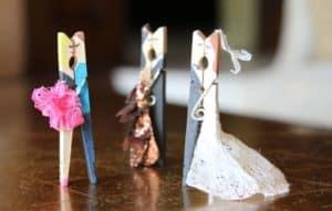 Kissing couples made with clothes pin