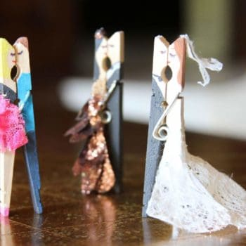 Kissing couples made with clothespin