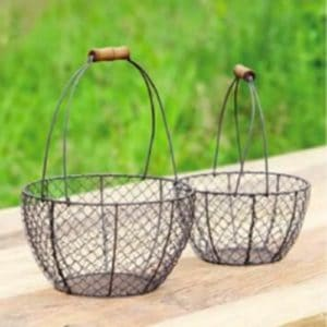 Set-of-Two-Vintage-Style-Round-Wire-Baskets-0