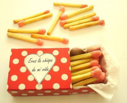 Gift in a matchbox / Regalo en una caja de cerillas