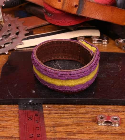 bracelet_tire-lifestyle-purple5