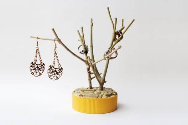 Diy: Branch Jewelry Holder Do-It-Yourself Ideas Wood & Organic