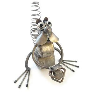 Nutty-Squirrel-Recycled-Metal-Garden-Sculpture-0