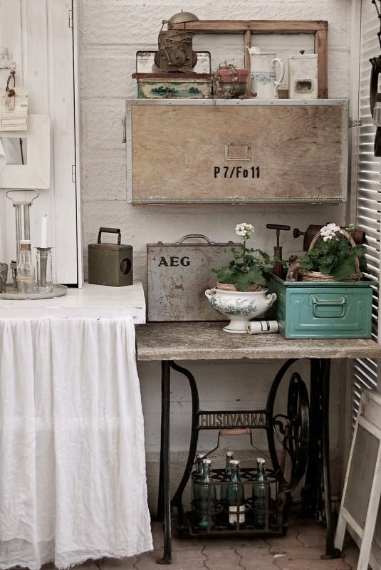 60 Ideas to recycle your old sewing machines in furniture diy  with Vintage upcycled furniture Upcycled sewing machine Recycled Interior Design DIY