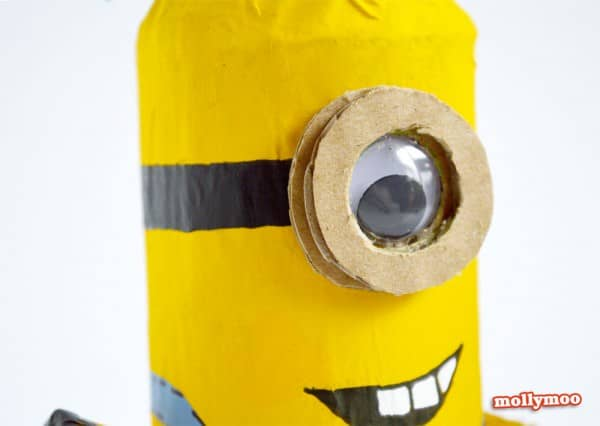 DIY: Make minions with toilet paper rolls Do-It-Yourself Ideas