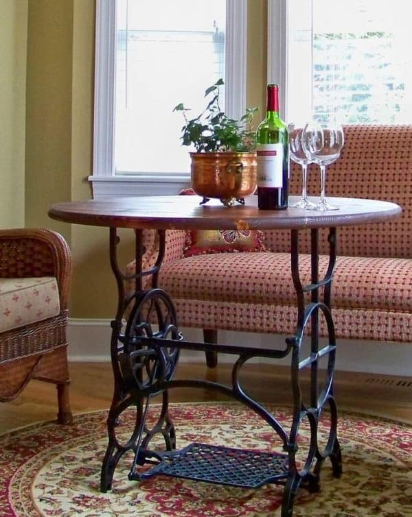 60 Ideas To Recycle Vintage Sewing Machines • Recycled Ideas ...