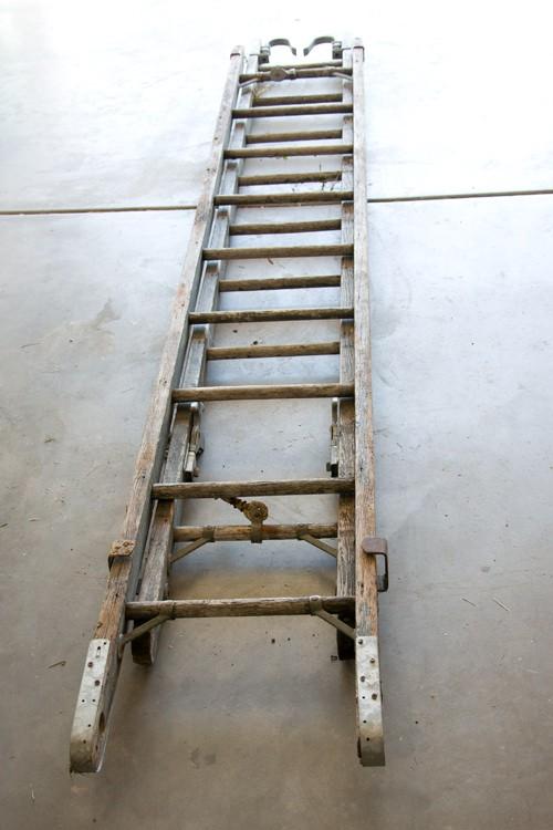 ladderbookshelf041