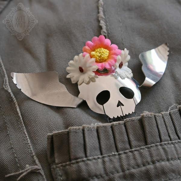 WIT_MYT_human_skull_wings_spoon_brooch
