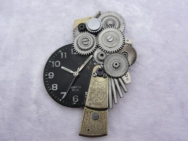 uhren14 600x450 Jewelry made from old watches in jewelry with steampunk Jewelry