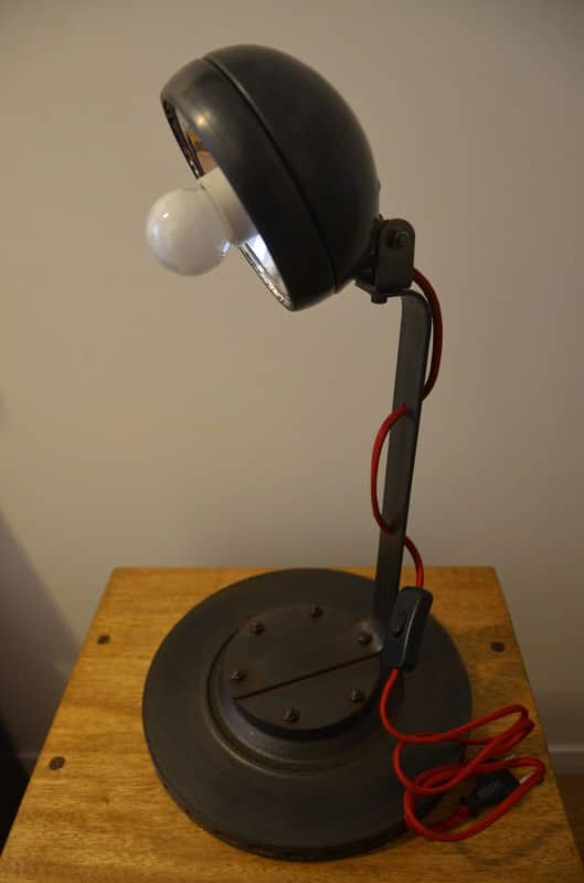 Lampe métallique au design industriel et moderne in metals lights  with Upcycled Repurposed Recycled Light Lamp Industrial Desk design