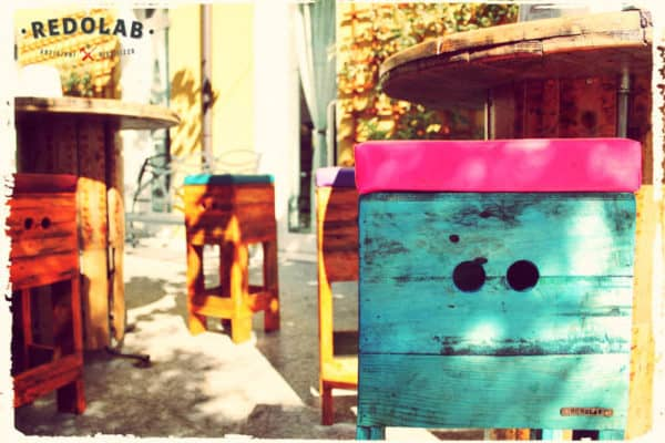 Redolab Work in furniture pallets 2  with Wood Table stool Reused Recycled pallet Ecodesign