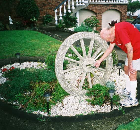 girraween-mailbox-wheel-stone-um