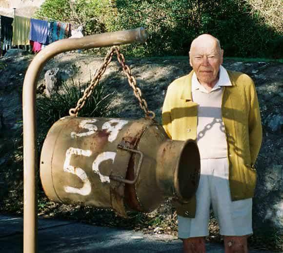 cheltenham-mailbox-milk-can-um