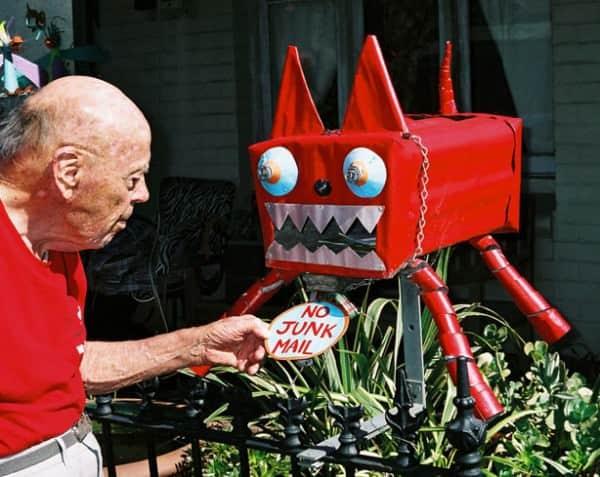 erskineville-mailbox-monster-um