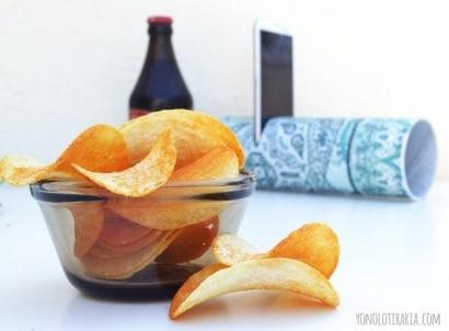 DIY: Speaker from recycled Pringles box / Altavoz con bote de pringles