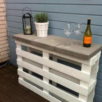 Diy: Simple & Easy Pallet Outdoor Bar