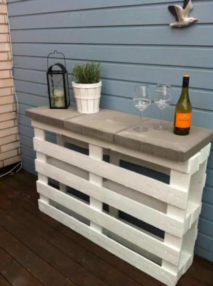Diy: Simple & Easy Pallet Outdoor Bar