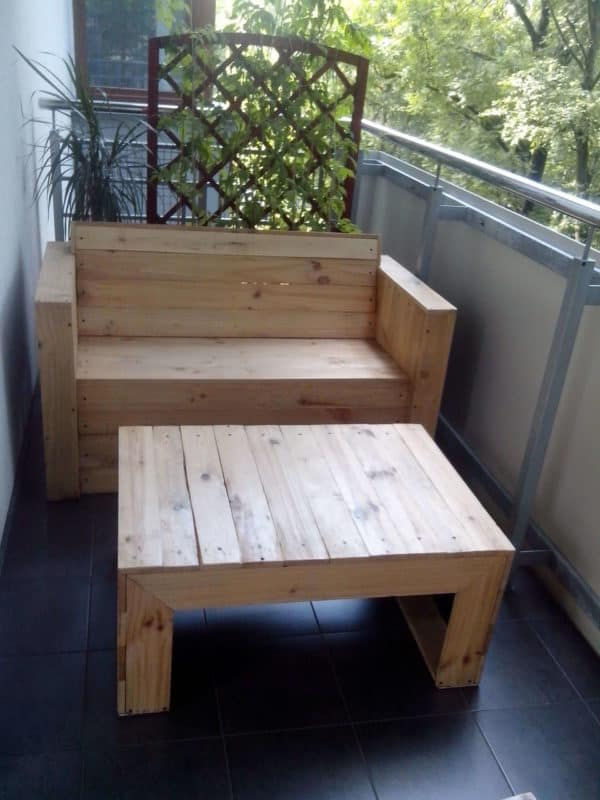 Pallet Chairs & Coffee Table Recycled Pallets