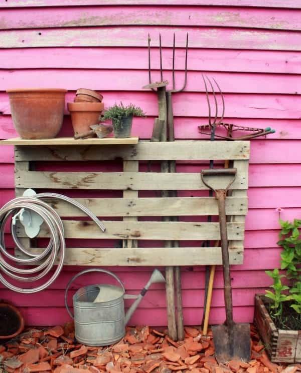 Pallet as a Garden Tools Organizer Do-It-Yourself Ideas Garden Ideas Recycled Pallets