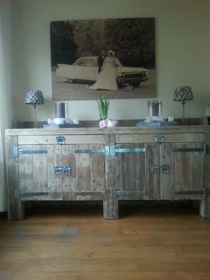 Pallets sideboard