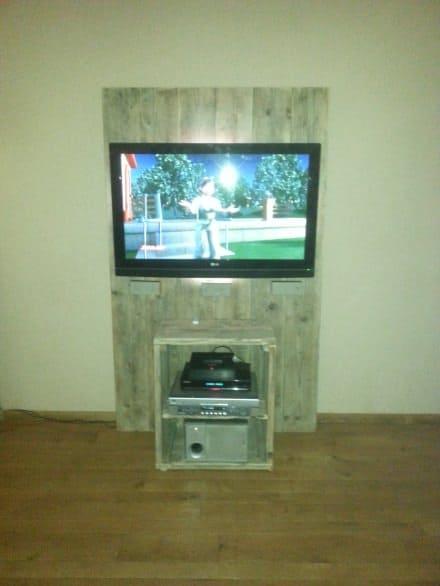 Pallet TV furniture