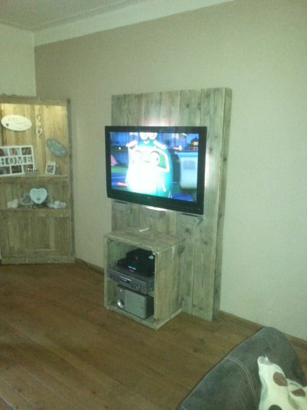 Pallet TV Stand Recycled Pallets