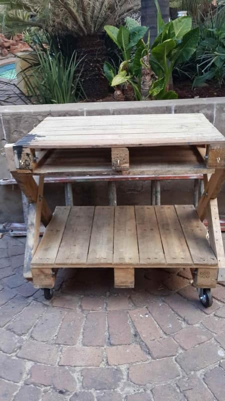 Upcycled Pallet Into Patio Furniture Recycled Pallets