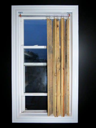 DIY Pallet Wood Vertical Blinds