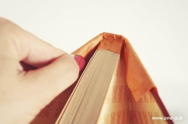 DIY: Halloween book pumpkin Do-It-Yourself Ideas Recycling Paper & Books