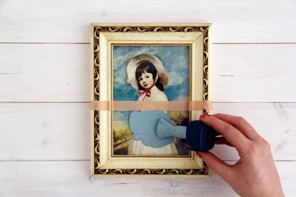 DIY : Paint dipped vintage picture frames Do-It-Yourself Ideas