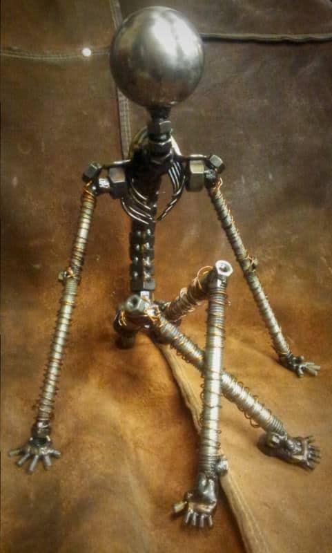 Un Moment De Repos - Screws and Bolts Sculpture Recycled Art Recycling Metal