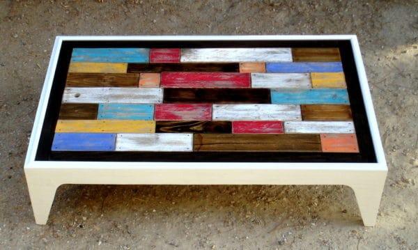 Table basse assemblage chromatique de bois de palettes - Table basse en bois de palette ...