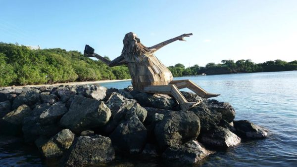 Hector Protector: giant reclaimed wood sculpture by Thomas Dambo in Puerto Rico Interactive, Happening & Street Art Wood & Organic
